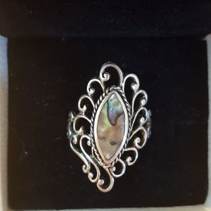 Jewelry - Unique alabaster filigree size 8.5 ring